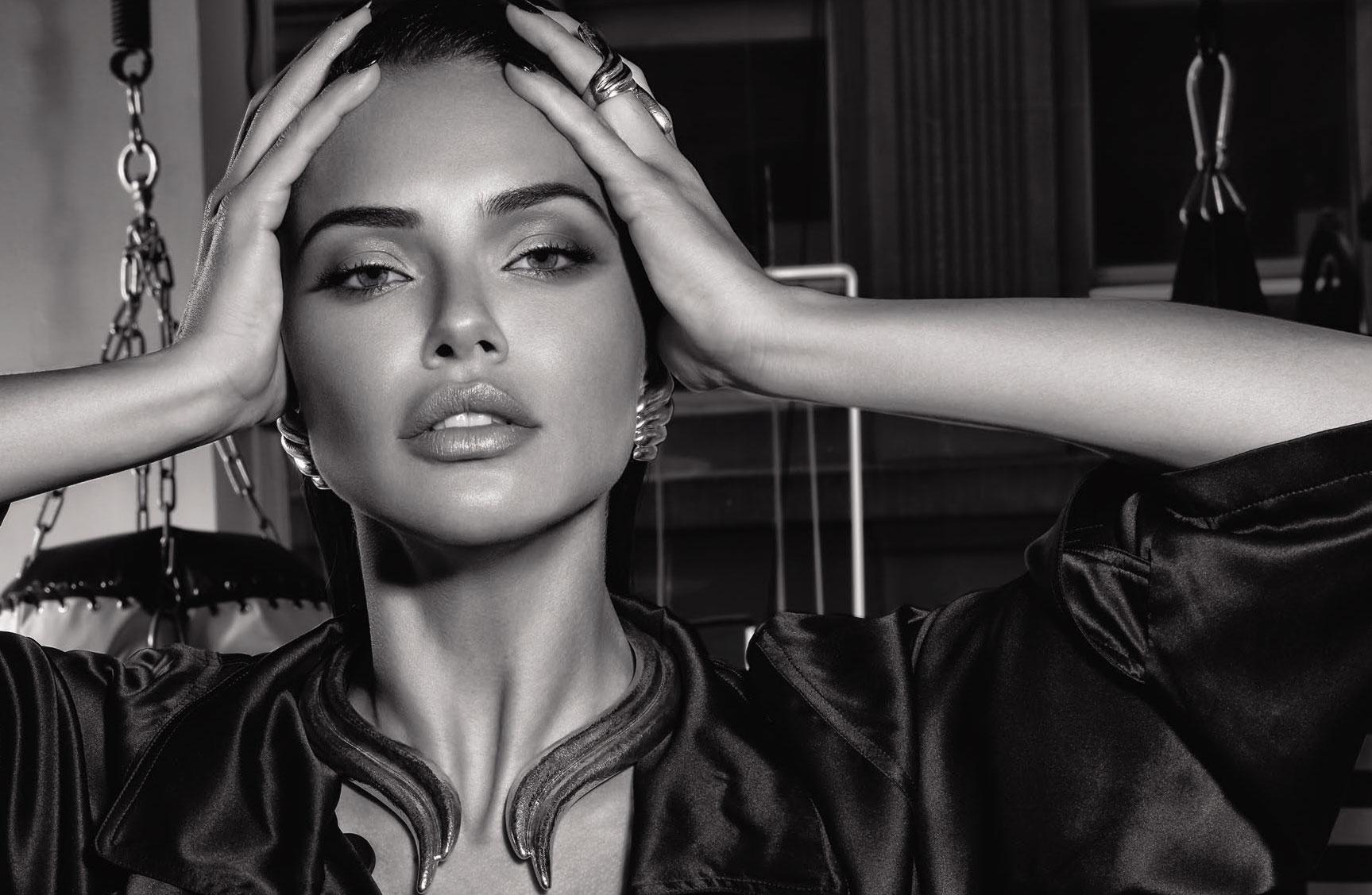 Супер-женщина Адриана Лима в журнале Numero Россия / фото 11