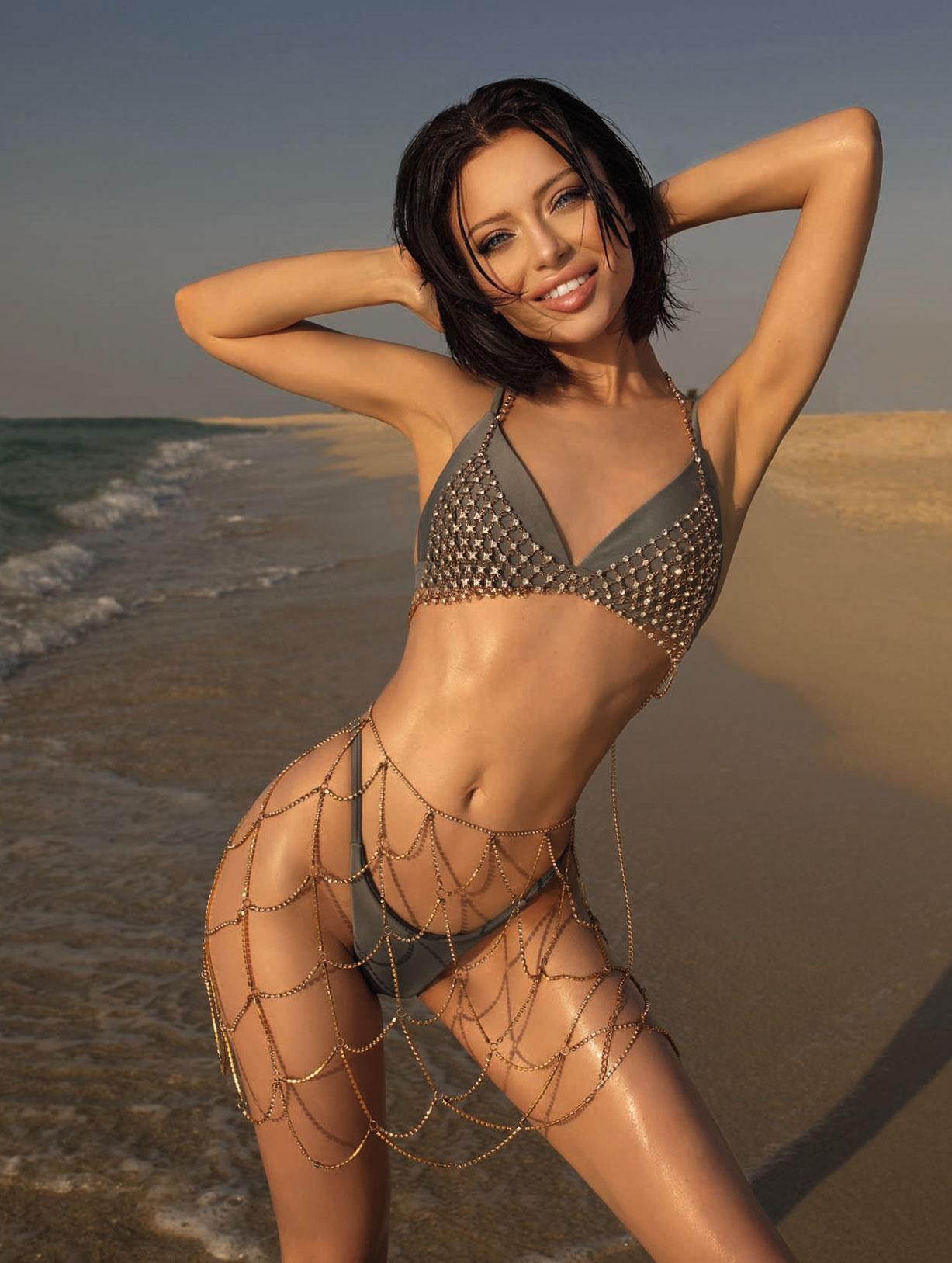 5-ая топ-модель Вселенной, легендарная Маша Студент в сексуальном нижнем белье / фото 08