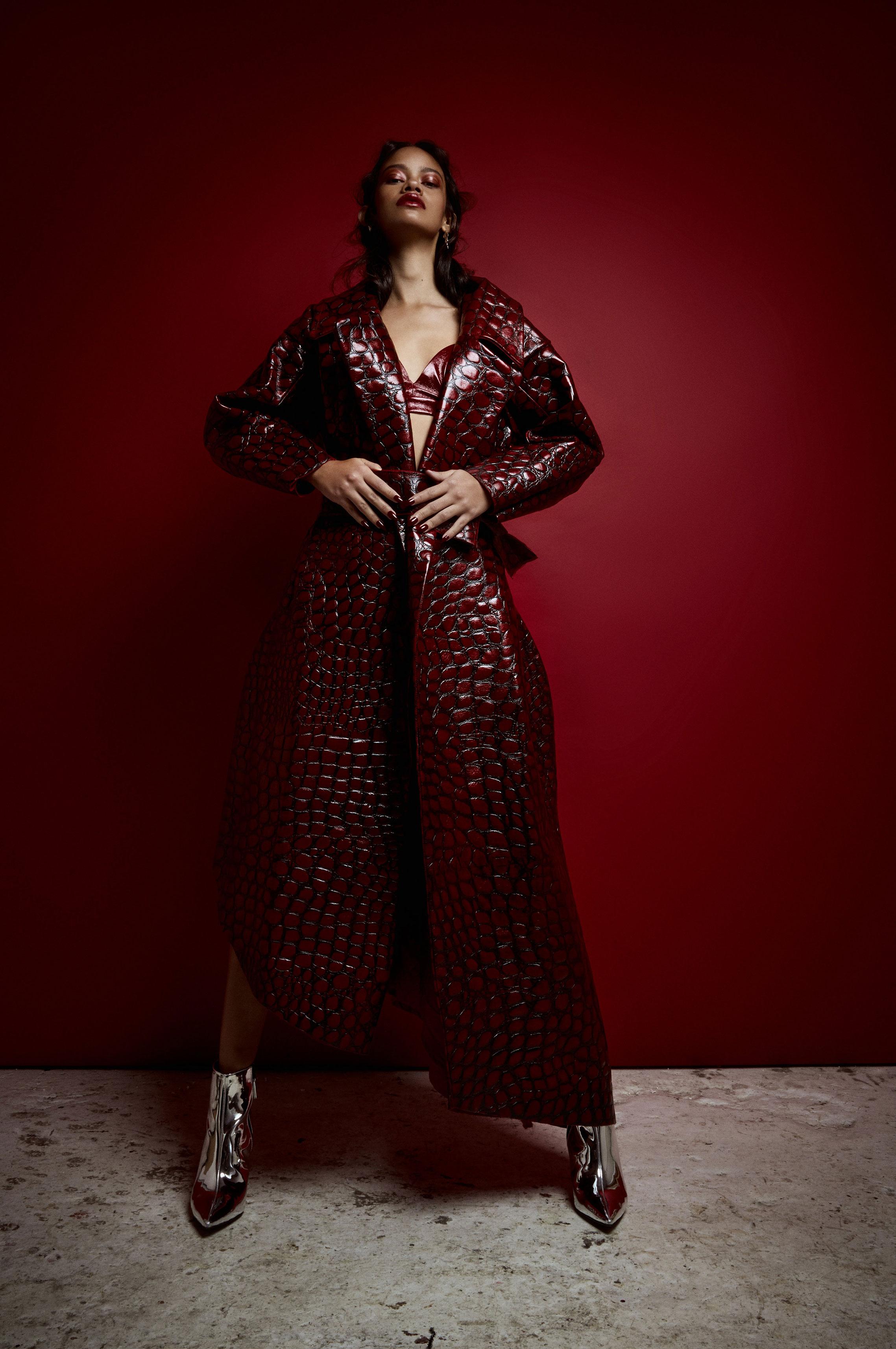 Таис Мартинс - женщина в красном / фото 04