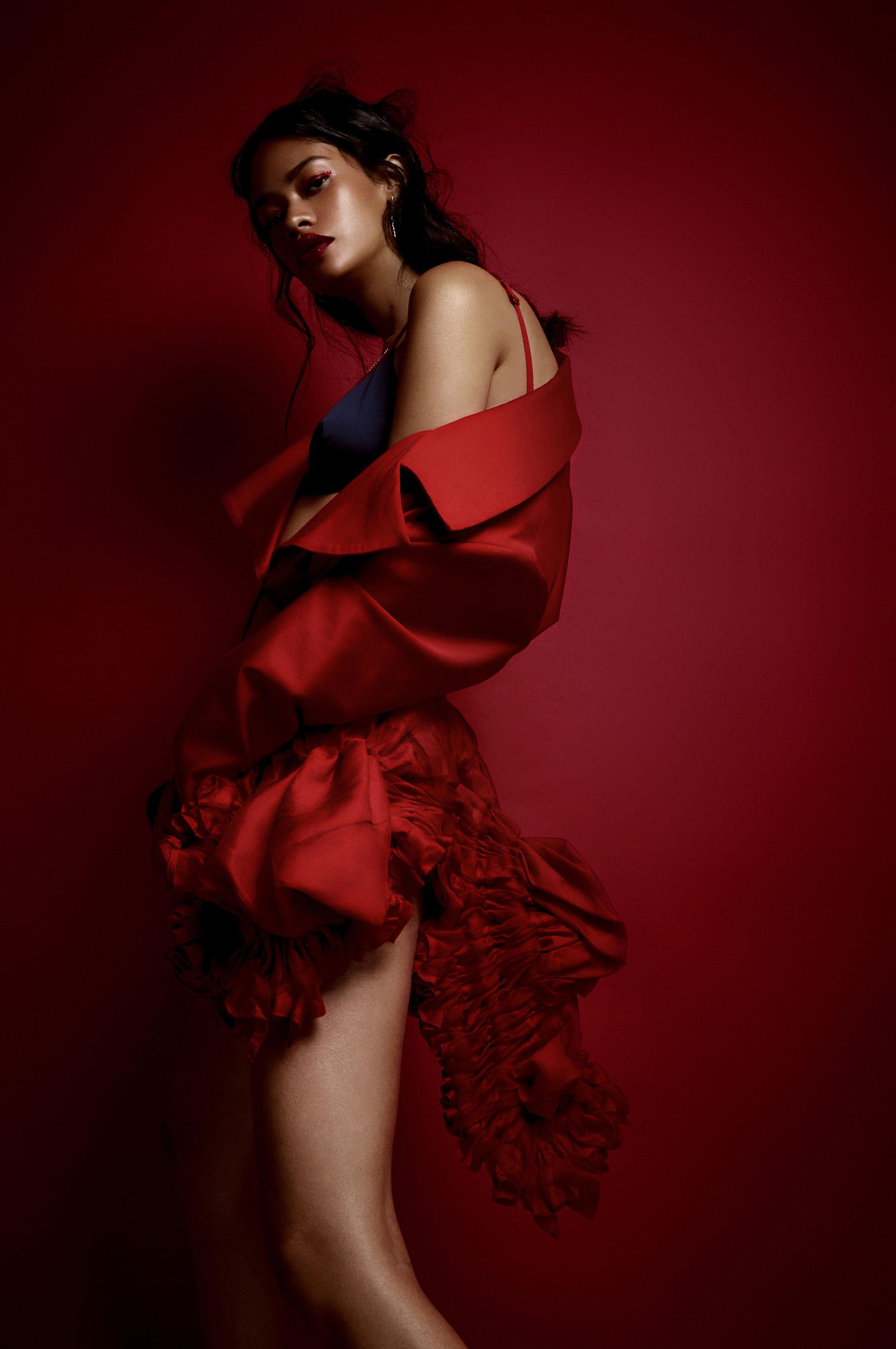 Таис Мартинс - женщина в красном / фото 05
