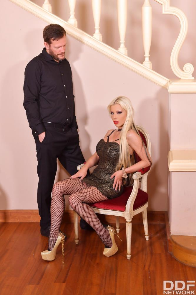 Yanick Shaft, Barbie Sins - Ass Licking Blonde Fisted [HouseofTaboo.com/DDFNetwork.com] HD 720p - 07.20.2018