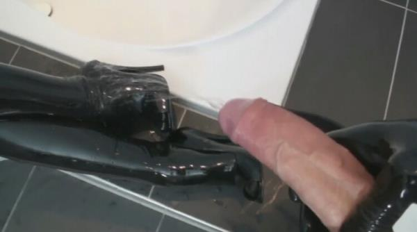Two Rubber Layers Black and Transparent Latex Catsuit Blowjob and Pissing