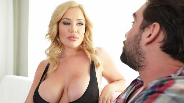 Savannah Bond: Busty Housewife Savannah Bond Demands Dick from her Hubs (FullHD / 1080p / 2021) [ElegantAngel]