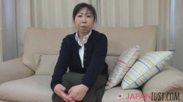 Japanese Granny Lets us use her Curvy Body for Creampie