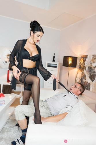 Ania Kinski - Milf Sex Goddess's squirting orgasm (FullHD)