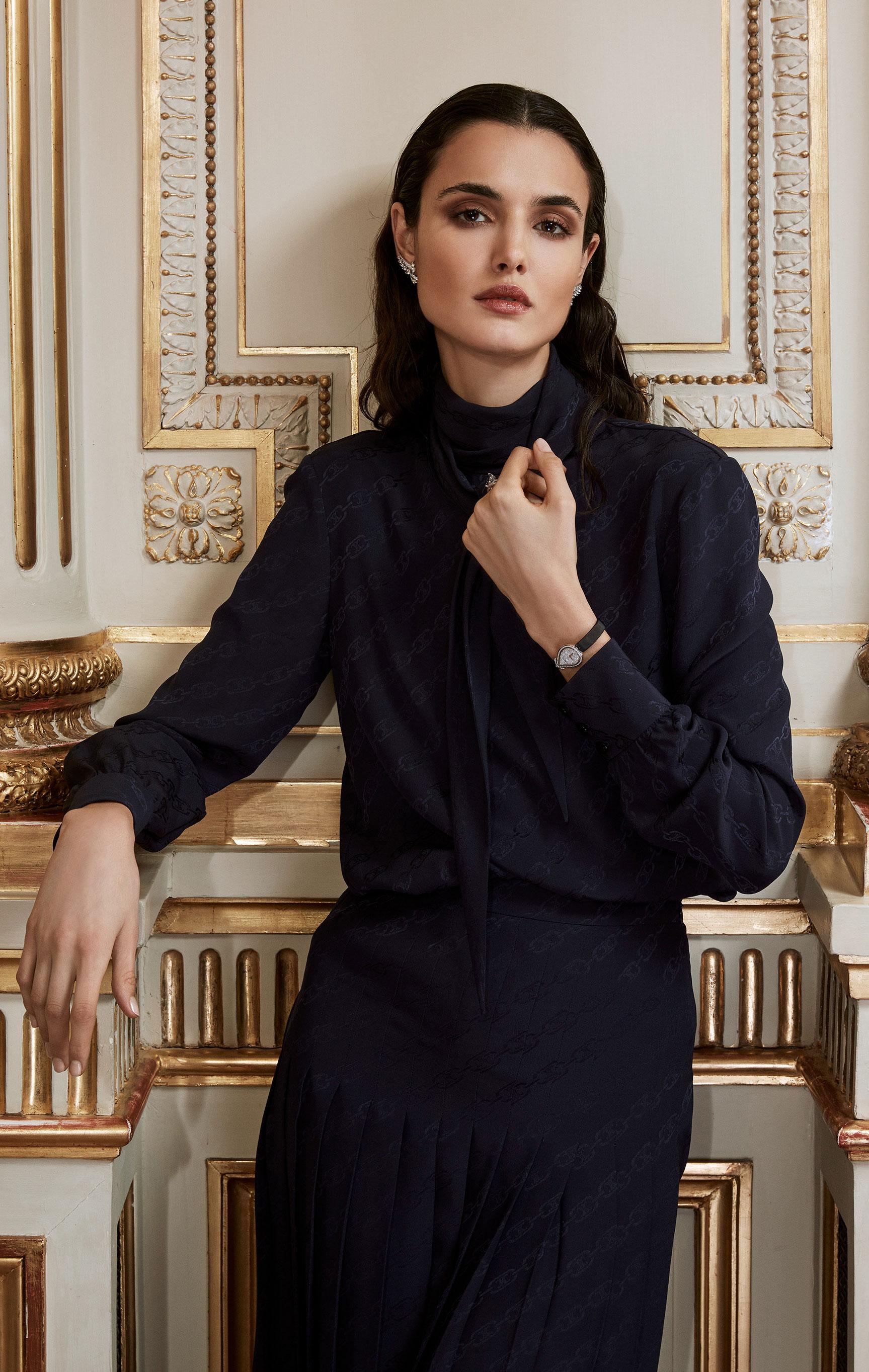 классические парижские ювелирные изделия Chaumet на красивой девушке / фото 03