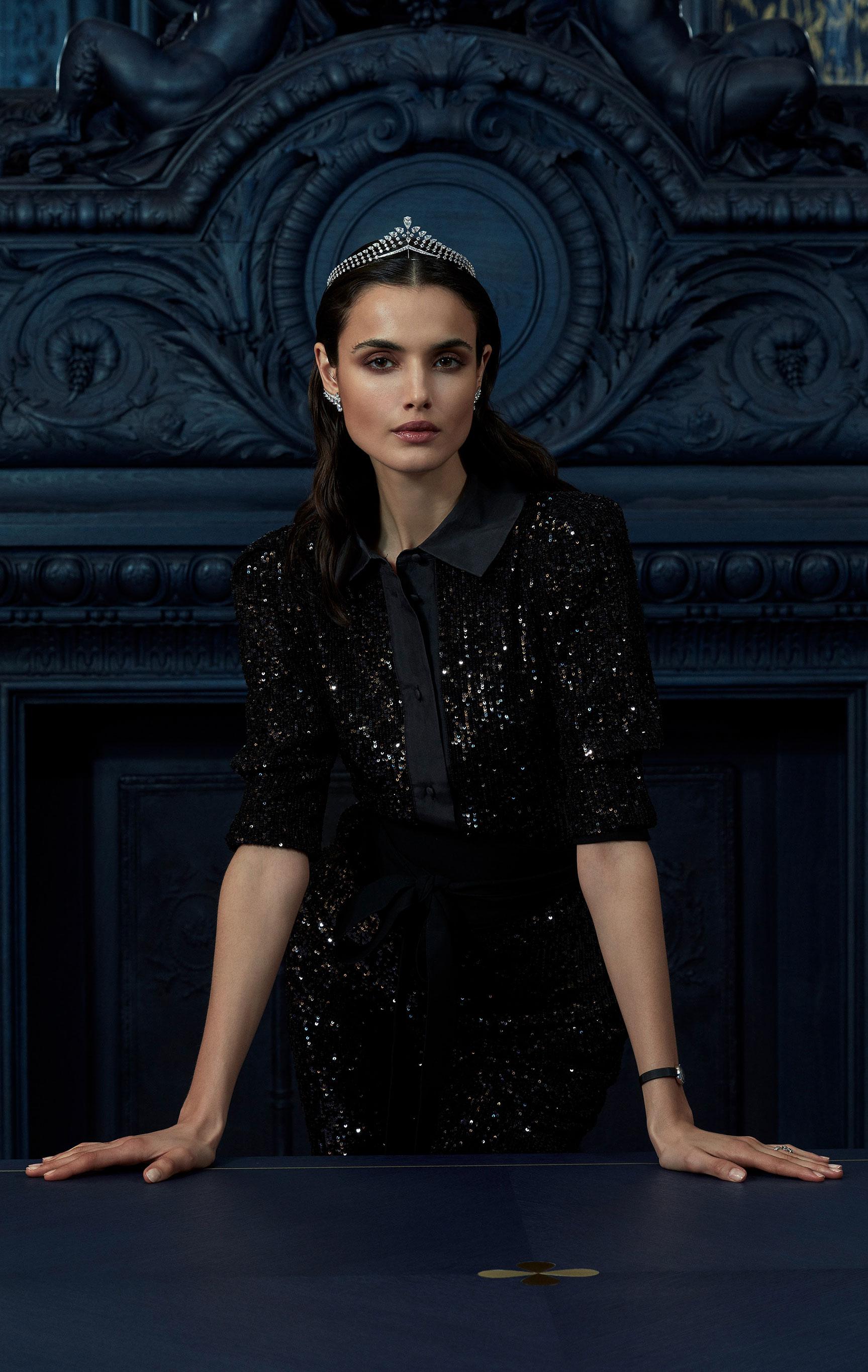 классические парижские ювелирные изделия Chaumet на красивой девушке / фото 07
